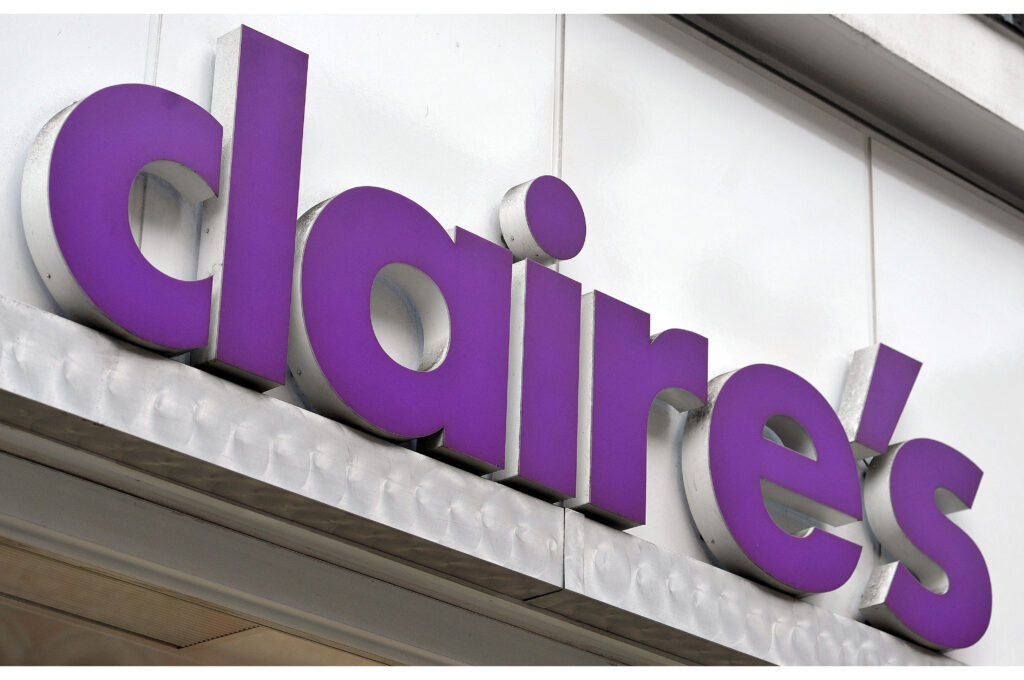 Claire's store front